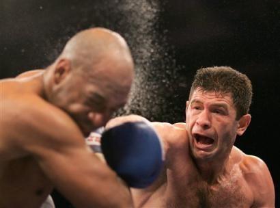 Google Ergebnis Fur Http Www Boxnews Com Ua Photos 626 Luan 2520krasniqi 2520vs 2520lance 2520whitaker Jpg Professional Boxing Knock Knock Knockout