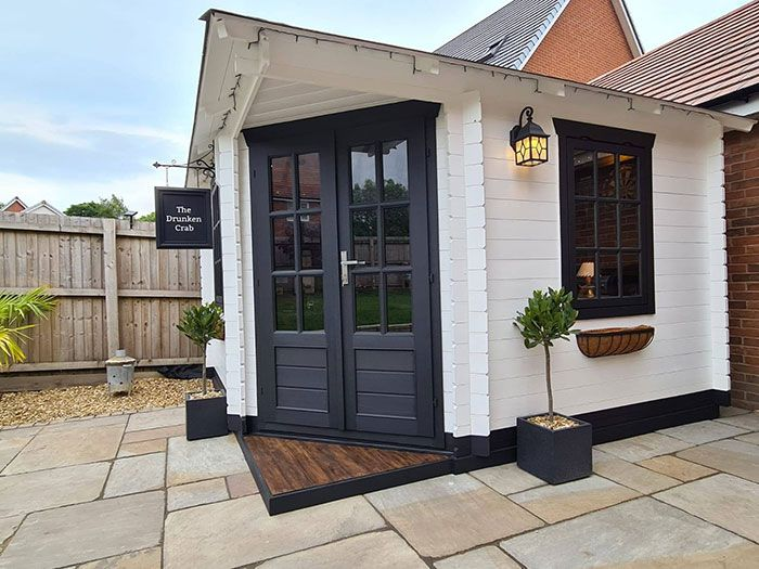 This Couple Builds A Stunning Mini Pub In A Garden