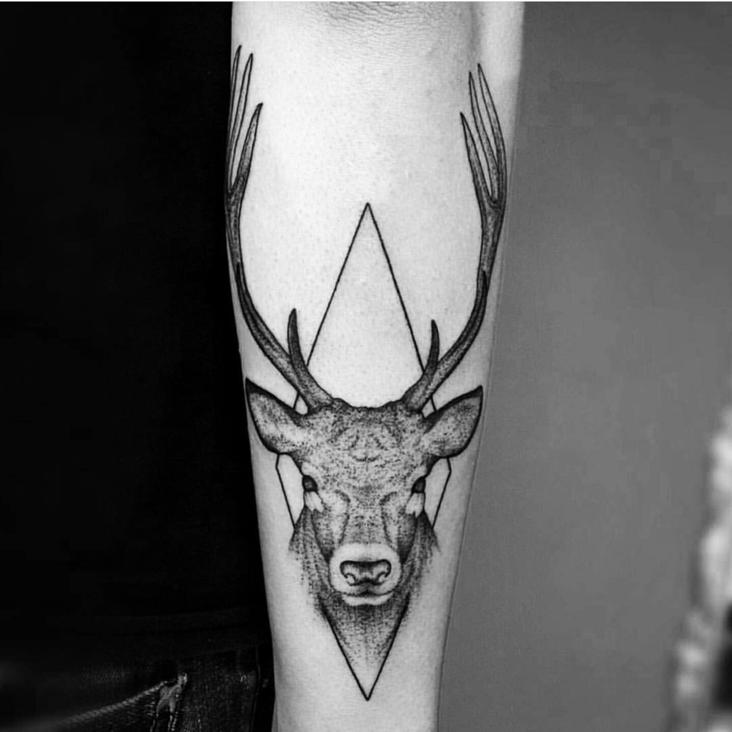 geometrisches tattoo hirsch nice tattoos pinterest tattoo trash polka and animal tattoos. Black Bedroom Furniture Sets. Home Design Ideas