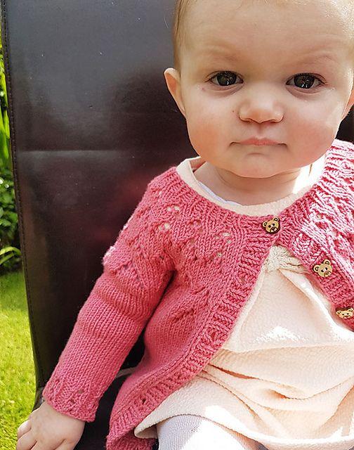 Ravelry: The Gift pattern by kiddiwinksknits | Knitting & Crochet ...