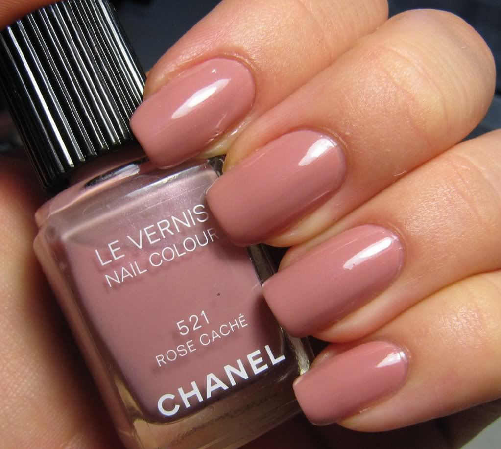 Chanel Rose Caché Le Vernis / Nail Polish in artificial light. The ...
