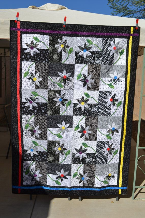 Black & White UPSY DAISY Twin Quilt by DesertCharm on Etsy, SOLD ... : daisy quilts - Adamdwight.com