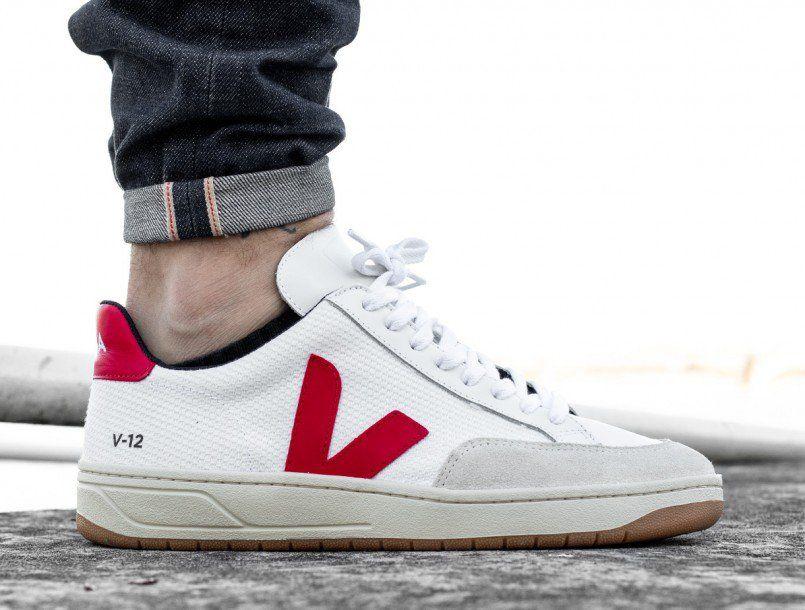 e973bc0f0cf Veja V-12 B-mesh white pekin on foot 1 | Sneakers in 2019 | Sneakers ...