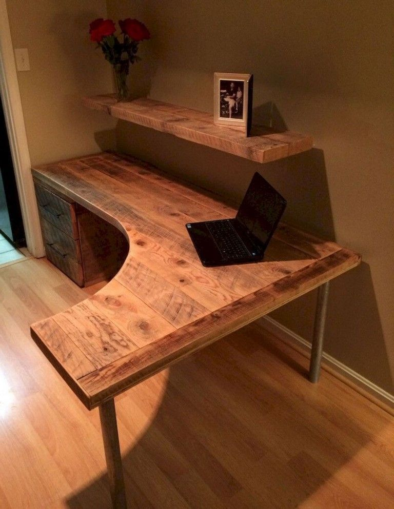 20 Simple Small Diy Pallet Desk Designs For Home Office Diy Deko Diy Corner Desk Home Office Design Diy Computer Desk