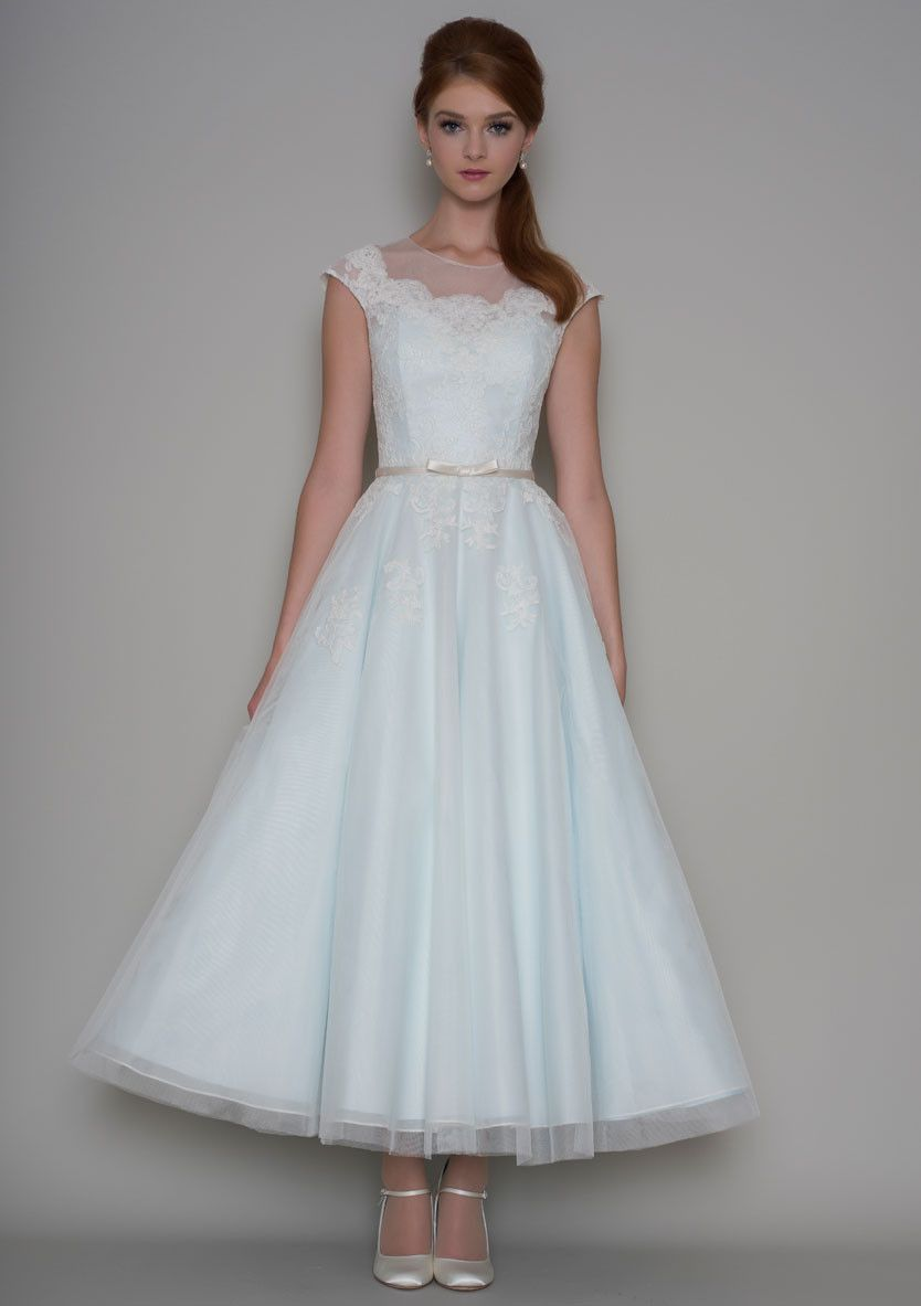 Wedding gowns 1950s style dress