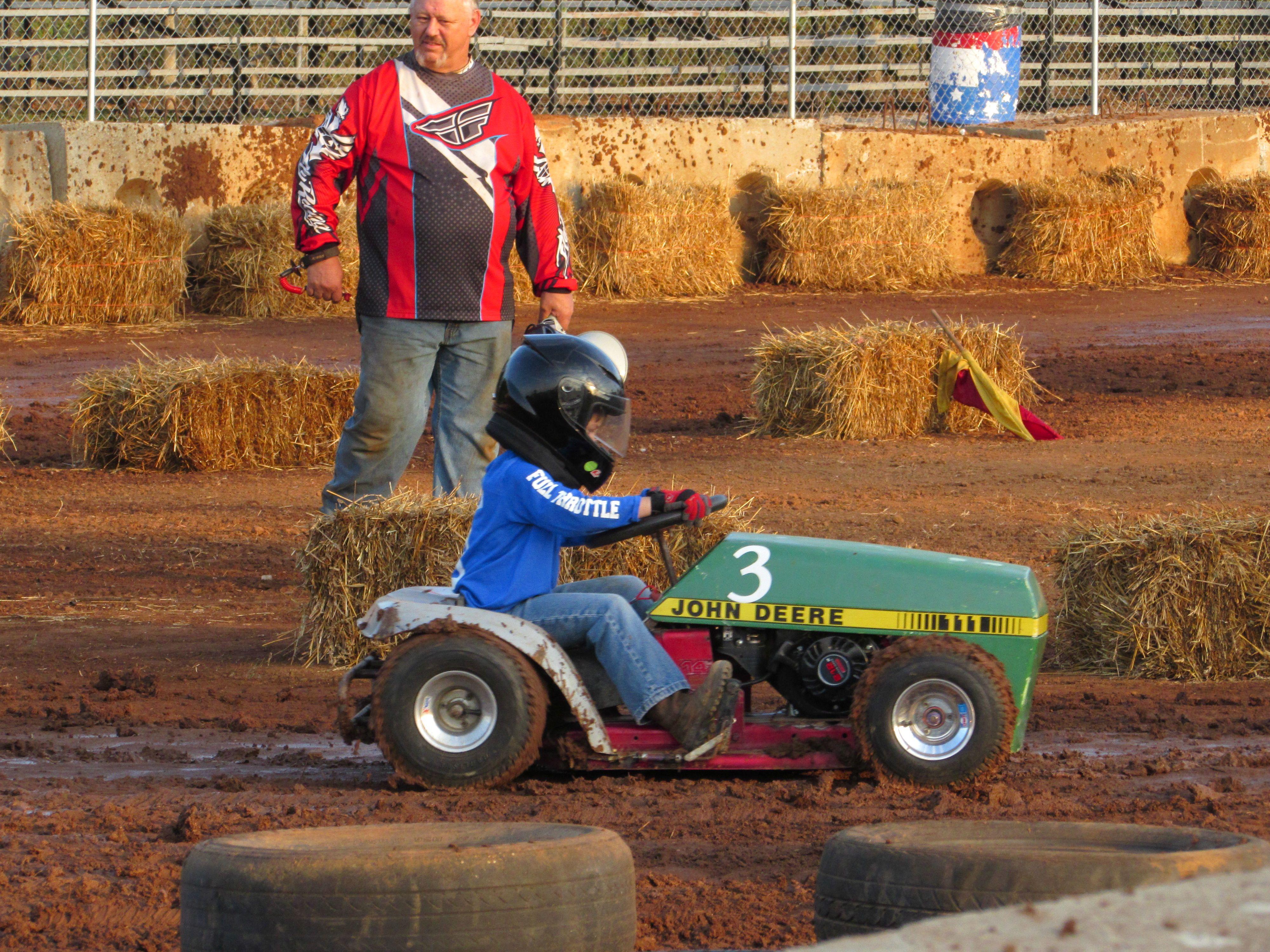 Lawn Mower Racing >> Kids Lawnmower Racing Motor Vehicles Camper Trailers