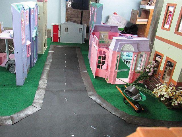 Sidewalks In Ll 4 Of 5 Barbie House The Neighbourhood Great Friends