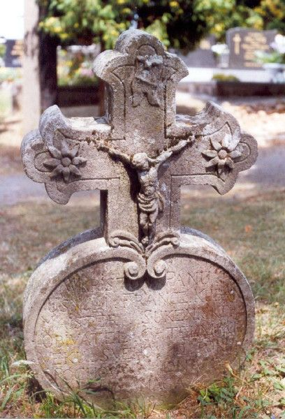 Grave Stone ...Heart-Shape With A Cross ... Circa 1795