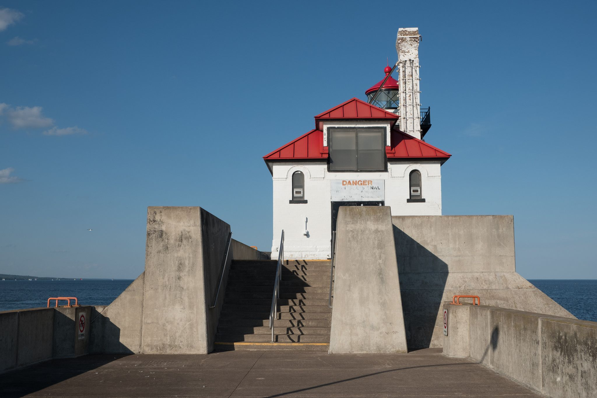 https://flic.kr/p/Vn46ty | Duluth South Breakwater Outer Lighthouse