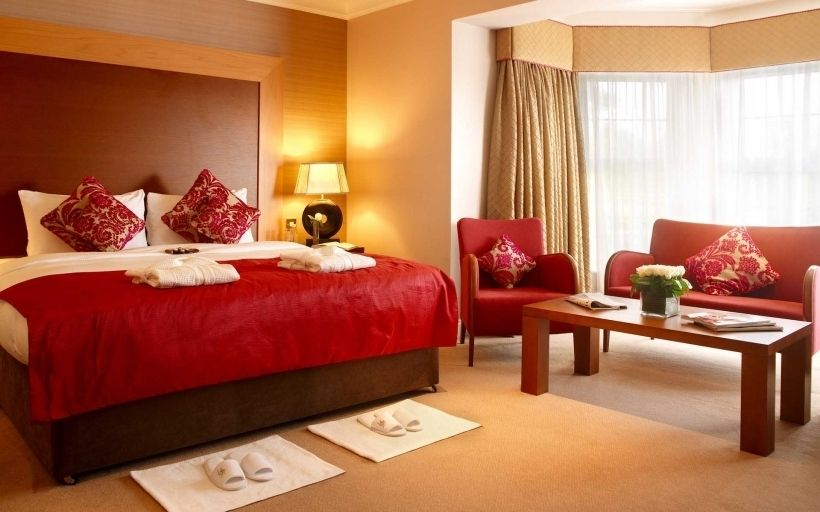 Beautiful Red And Gold Bedroom | Bedroom Decorating Ideas | Romantic ...