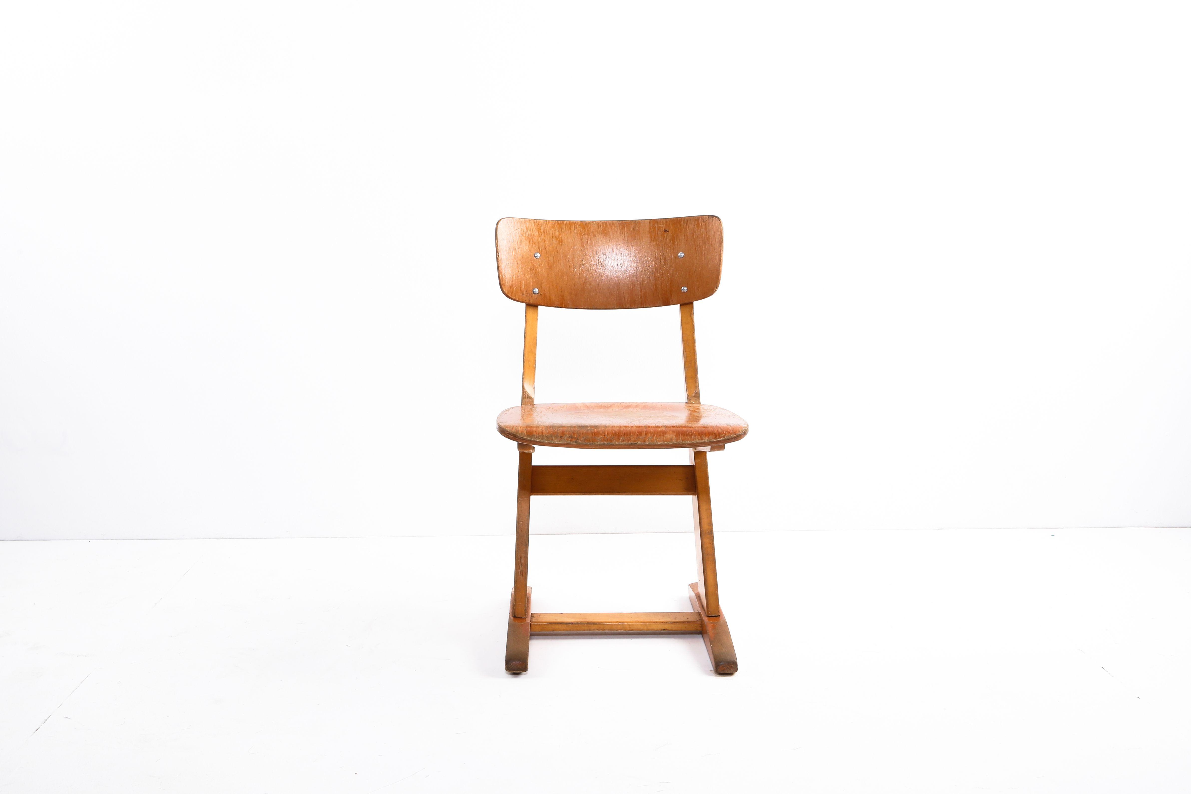 Zwei Schulstuhle Casala Schulstuhle Kinderstuhle Stuhle