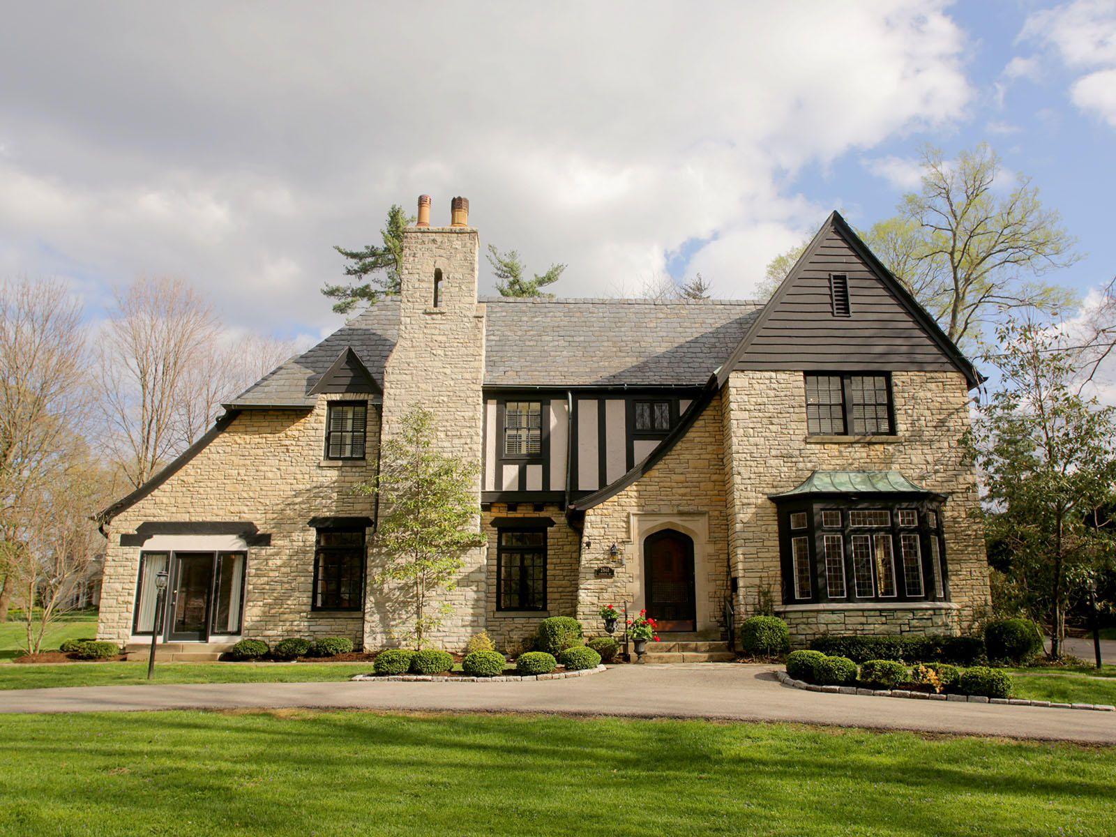 2840 Lexington Road Louisville Ky Trulia Tudor Style Homes Tudor House Architecture