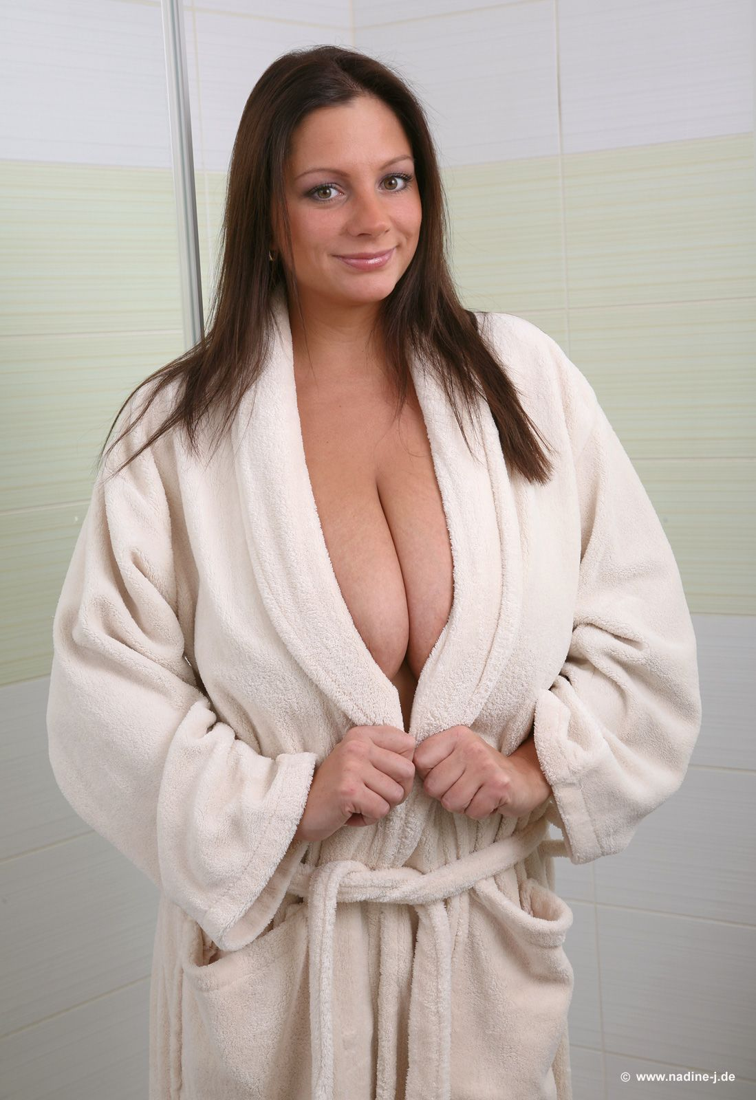 Pin On Nadine Jansen