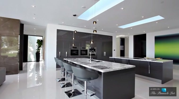 55 Million Bel Air Luxury Residence 864 Stradella Road Los Angeles Ca The Pinnacle List Luxury Kitchen Design Luxury Houses Mansions Mansion Kitchen