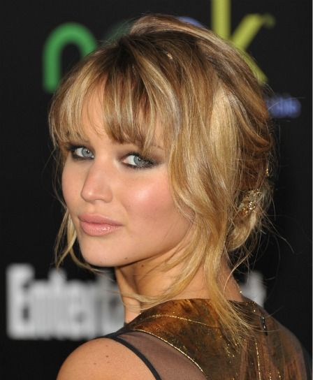 How To Copy Jennifer Lawrence S Amazing Hairstyle From Last Night S Hunger Games Premiere Jennifer Lawrence Hair Holiday Hairstyles Cool Hairstyles