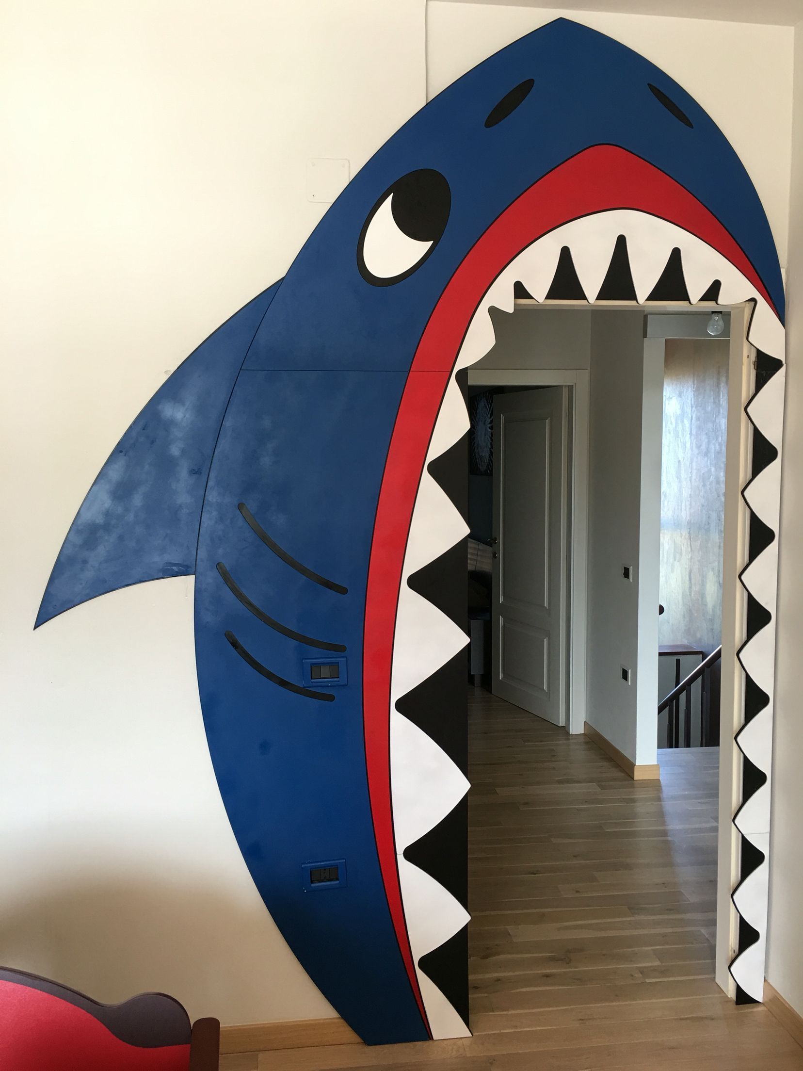 Shark door decoration DIY plastic layers Shipwrecked Pinterest - Halloween Classroom Door Decorations