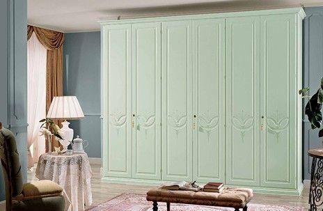 Armadi in stile classico con colorazione verde acqua | Armadi in ...
