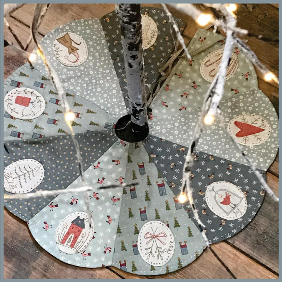 11 Christmas Tree Skirt Ideas You'd Love To Sew (With