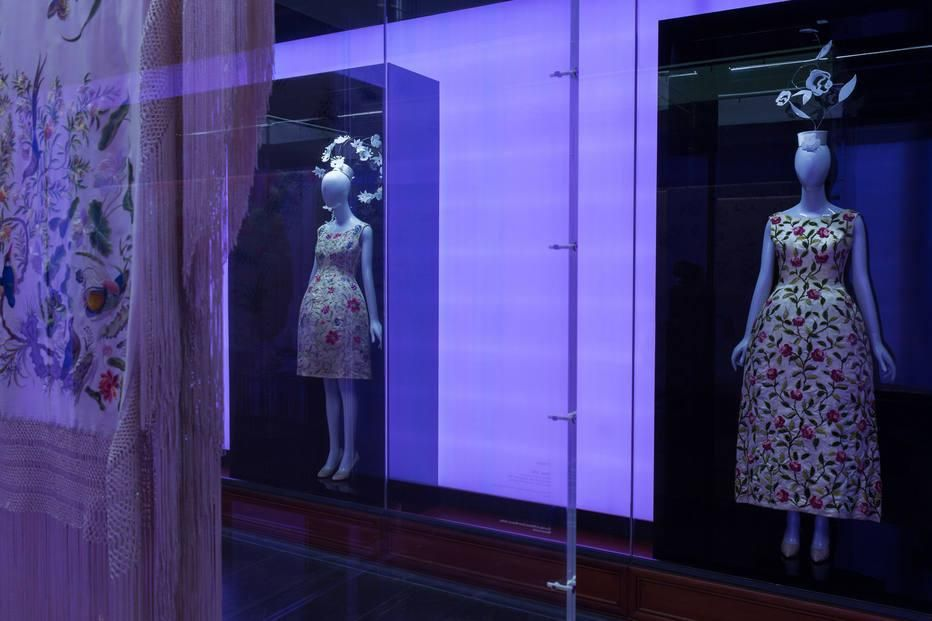 Mostra em NY explora a influência da estética chinesa na imaginação de designers http://oesta.do/1Rv3wND
