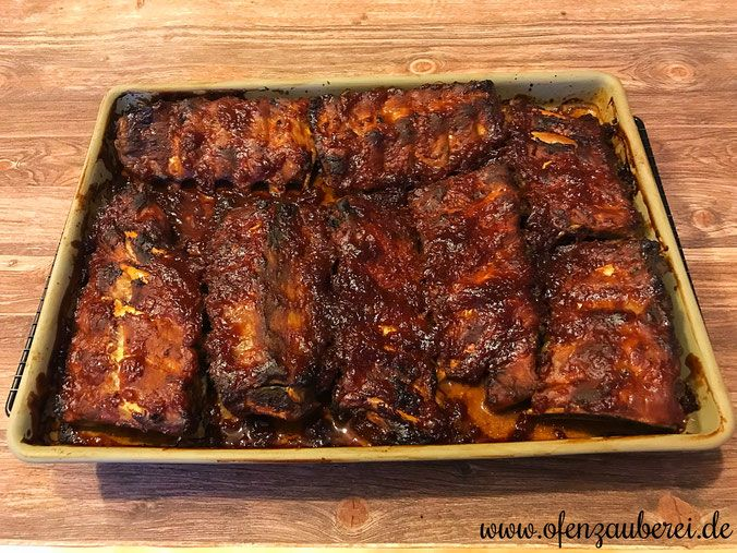 Photo of Spare ribs in BBQ marinade in the oven wizard from Pampered Chef®