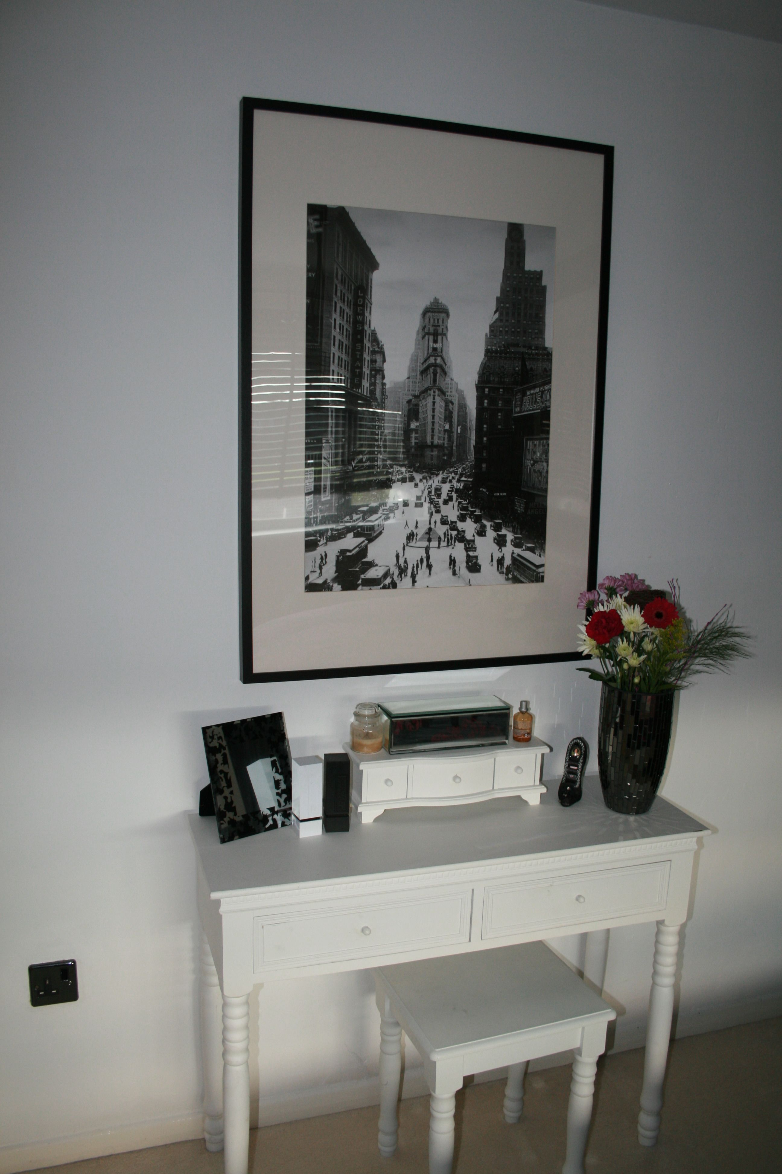 Small Bedroom Stool Bedroom Small White Console Table Dresser Against White Wall