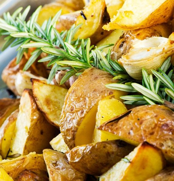 Serve up some classic #roast #potatoes from Fresh Potatoes http://freshpotatoes.com.au/recipes/roast-potatoes