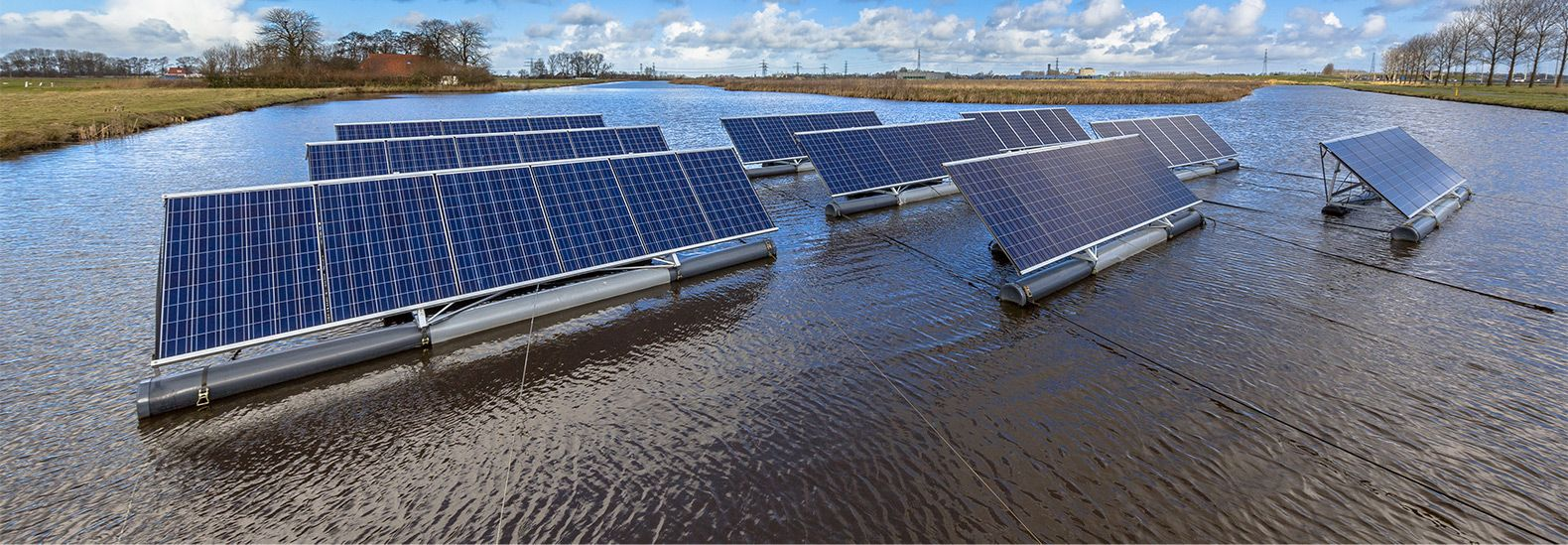 The Netherlands Plans 26 910 Square Foot Floating Solar Farm At Sea Solar Farm Solar Floating