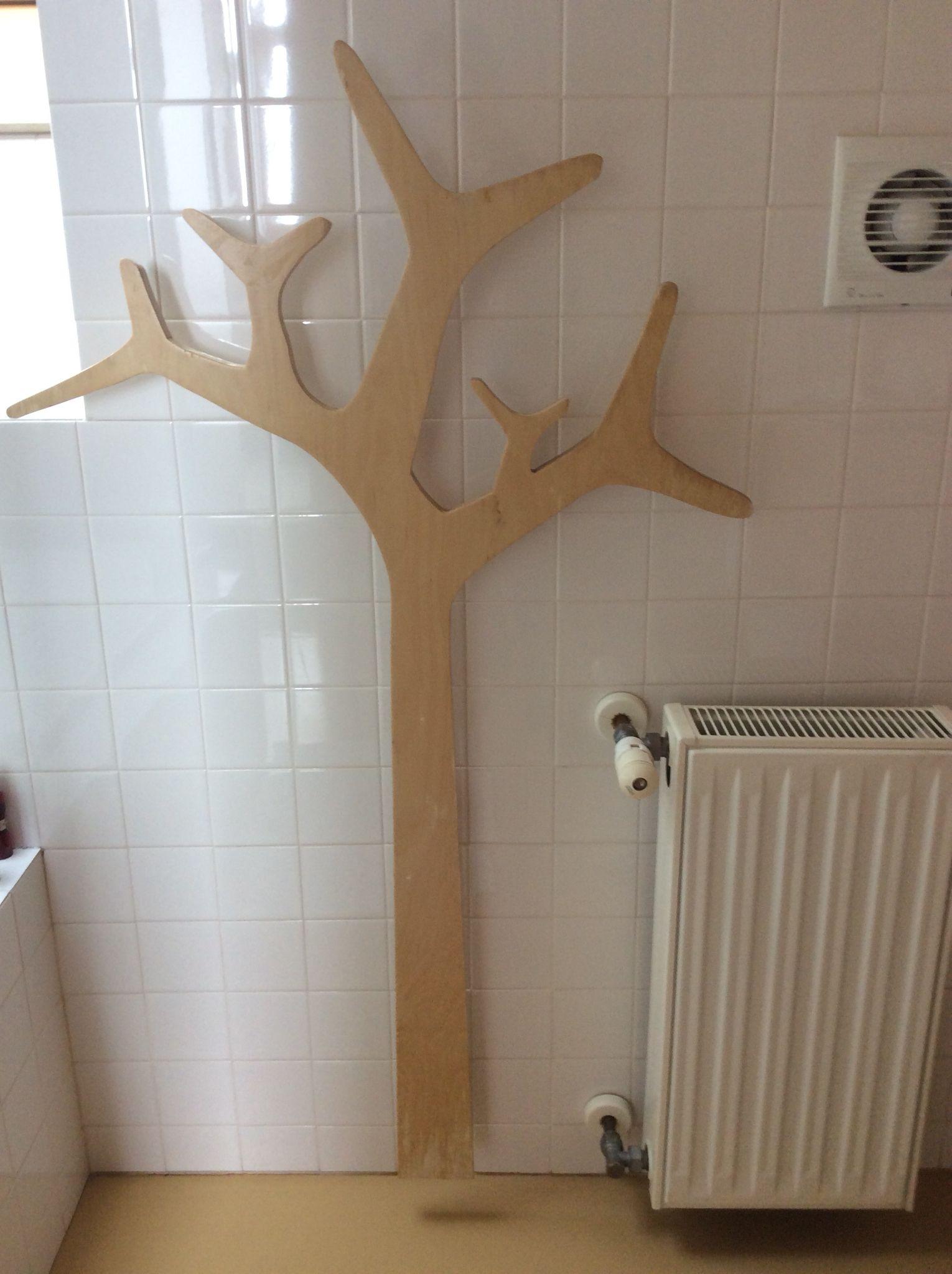 un arbre porte manteau pour la salle de bain entree. Black Bedroom Furniture Sets. Home Design Ideas