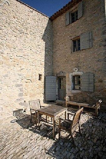 Mas Bonnieux - Bergerie restaurée au coeur du LUBERON, avec Piscine à débordement 646095   Abritel