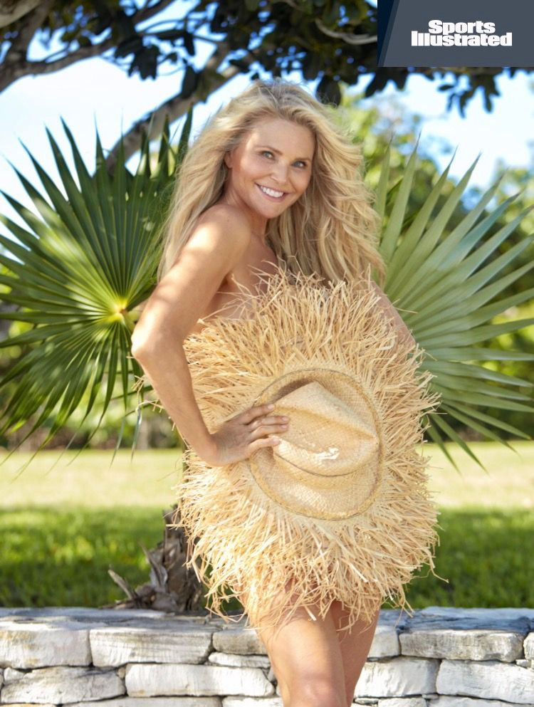 Christie Brinkley Sports illustrated swimsuit 2017