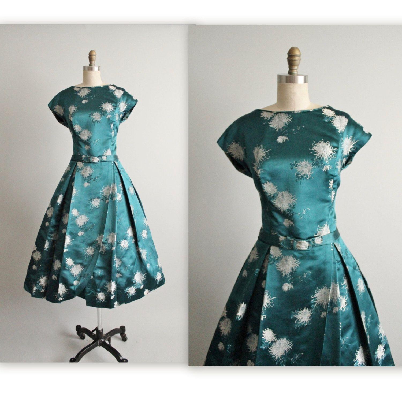50er Jahre Cocktail-Kleid / / Vintage 1950 von TheVintageStudio ...