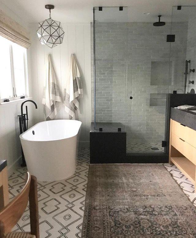 like the tub & frameless shower, like the pendant over tub too ...
