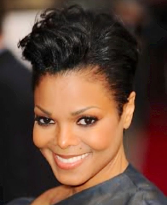 Love Janet S Short Hairstyle She An Iconic Round Face Beauty