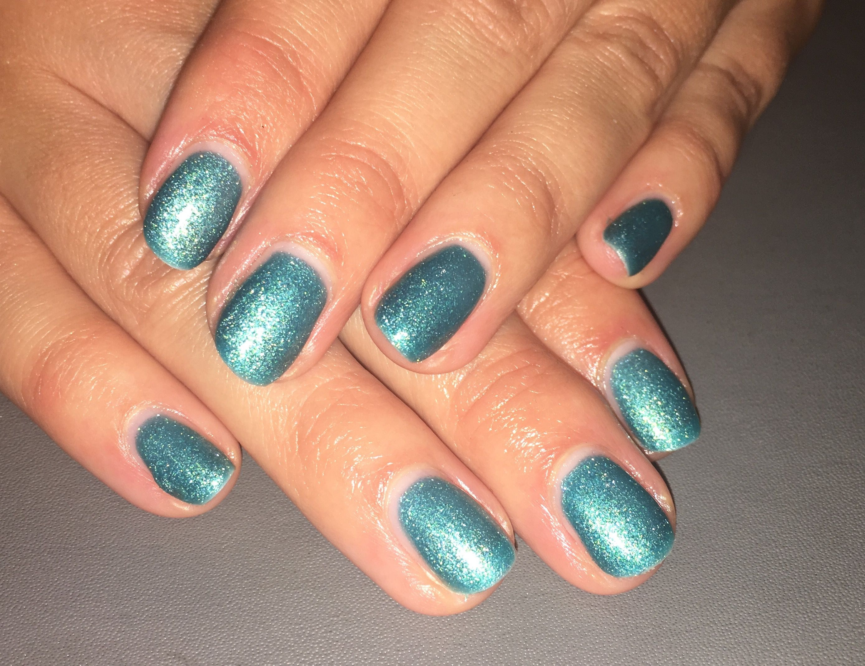 Majestic Wonders gel on natural nails #blue #frosty #nails #gel ...