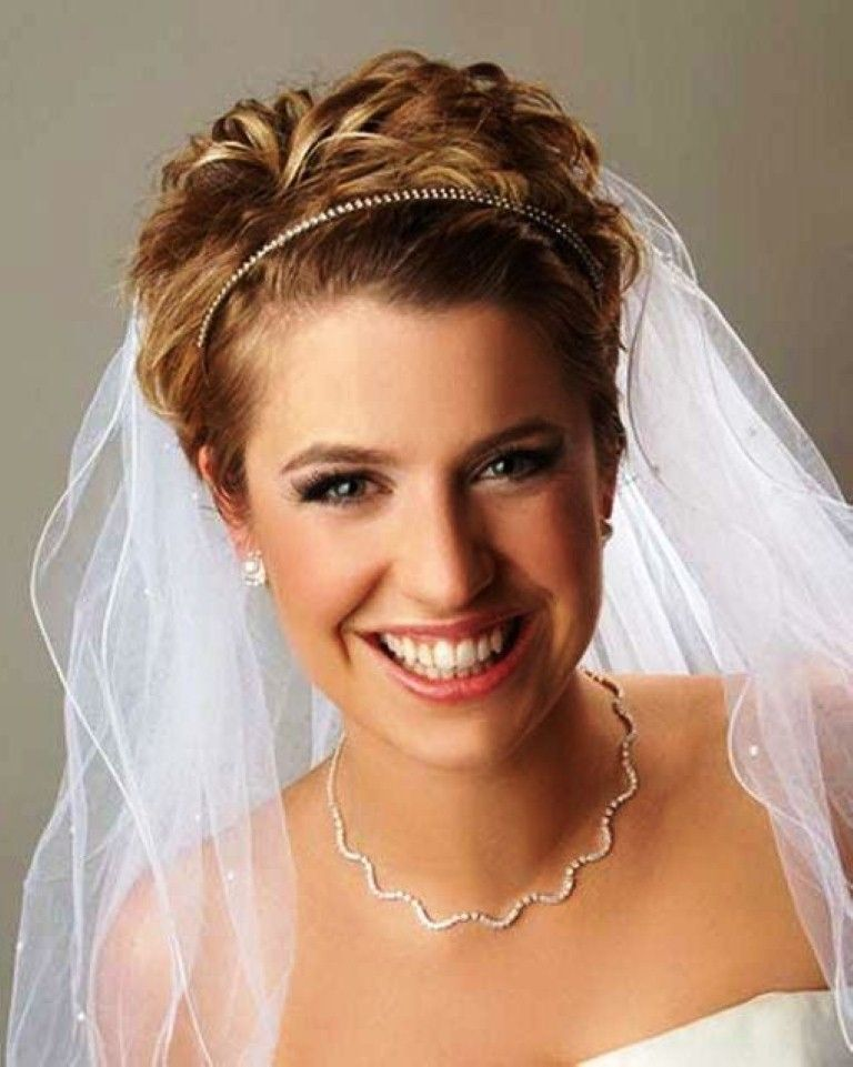wedding hairstyles for short hair with tiara and veil wedding hairstyle brautfrisur