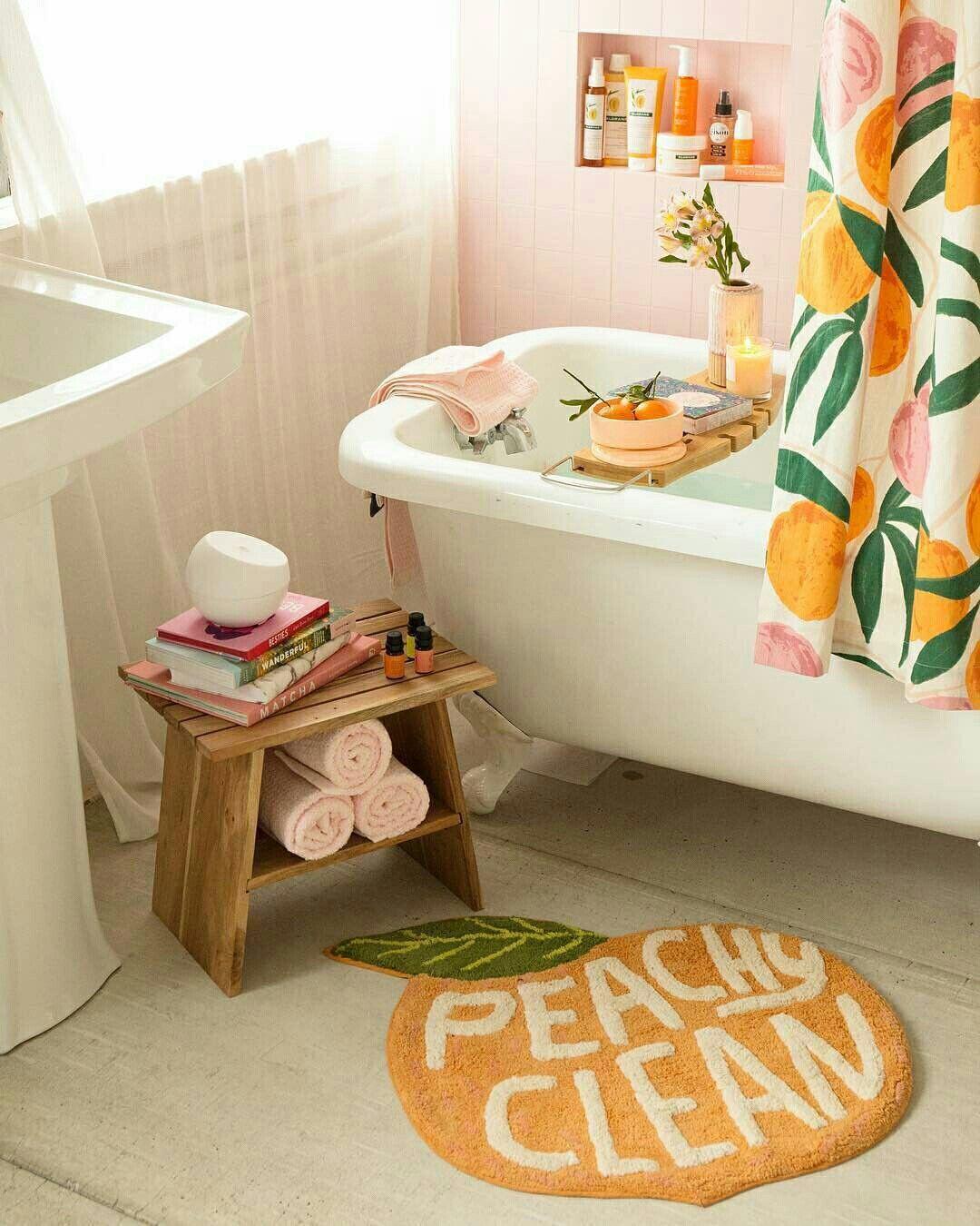 Banheiro Com Cortina Com Estampa De Pessegos Urbanoutfitters Banheiro Banheira Cortina Bathroom Themes Kids Bathroom Pink Walls [ 1350 x 1080 Pixel ]