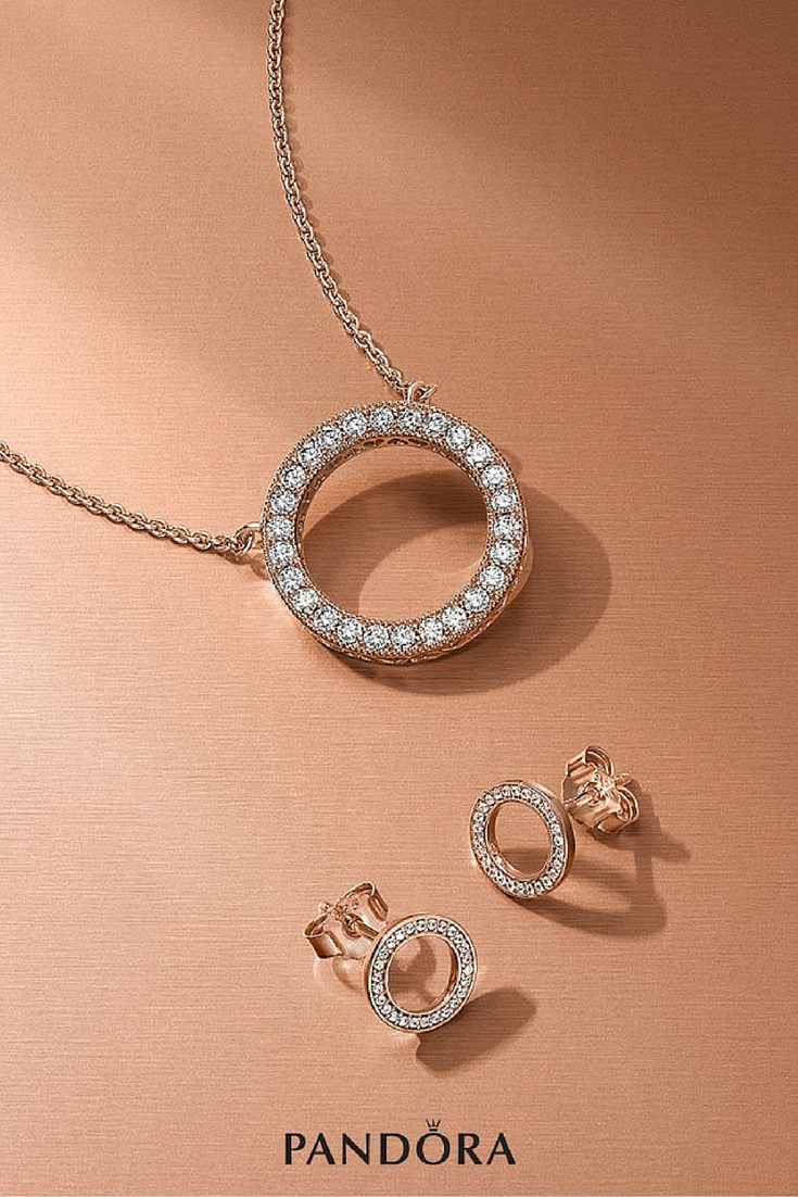 The Luminous And Elegant Pandora Rose Signature Collection