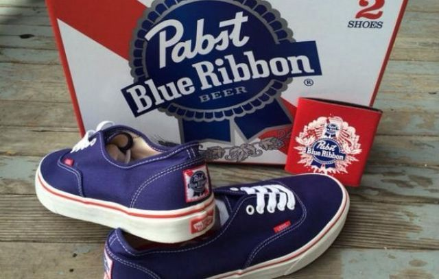 a815716df8bc37 Mens Vans RARE Pabst Blue Ribbon Vans Size 13 650.00