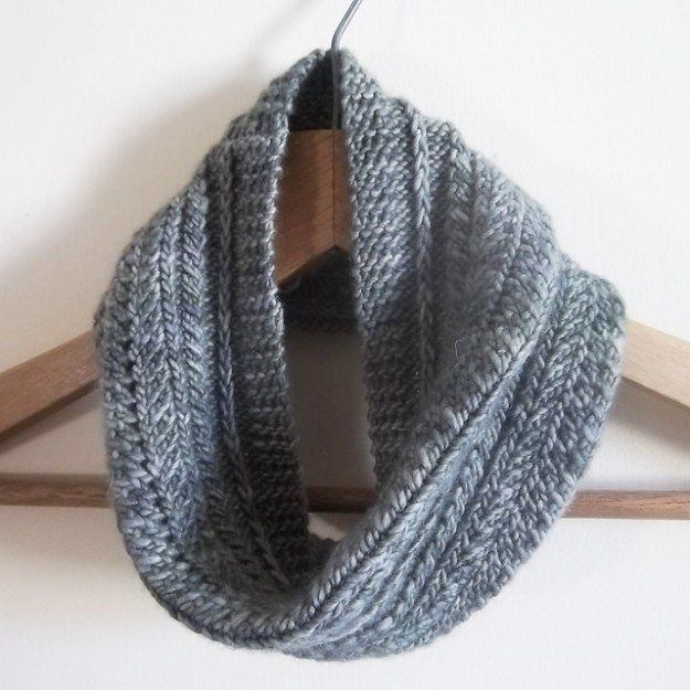 Free Patterns For Knitted Cowls Knit Cowl Free Pattern And Infinity
