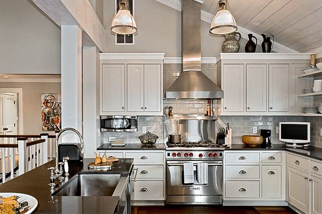 pin by terri stephens on farmhouse kitchen lake house kitchen ranch kitchen remodel tall on kitchen cabinets vaulted ceiling id=15822