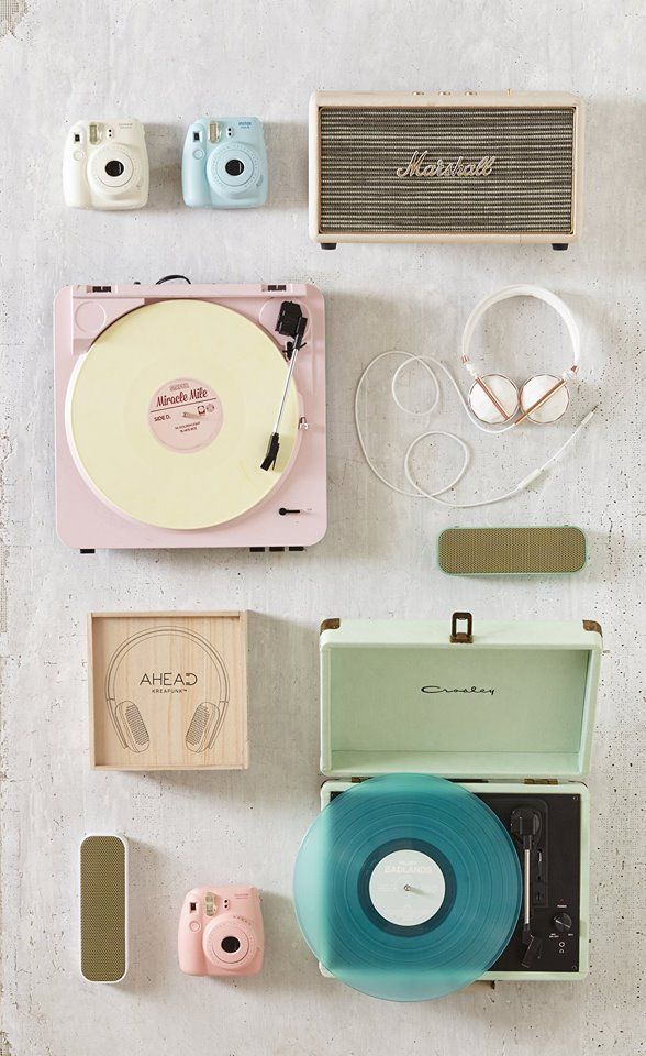 Pin By Urban Outfitters Room On Vintage Pink Aesthetics In 2020 Record Player Urban Outfitters Retro Home Decor Aesthetic Vintage