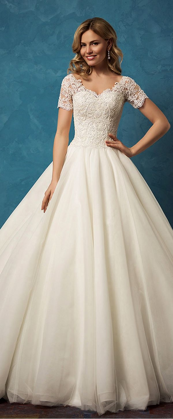 Gorgeous tulle vneck neckline ball gown wedding dresses with lace