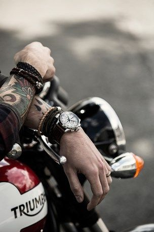 http://www.gq-magazine.co.uk/watches/articles/2015-11/12/rock-star-mens-watches-jewellery-2015/viewgalleryframe/0?