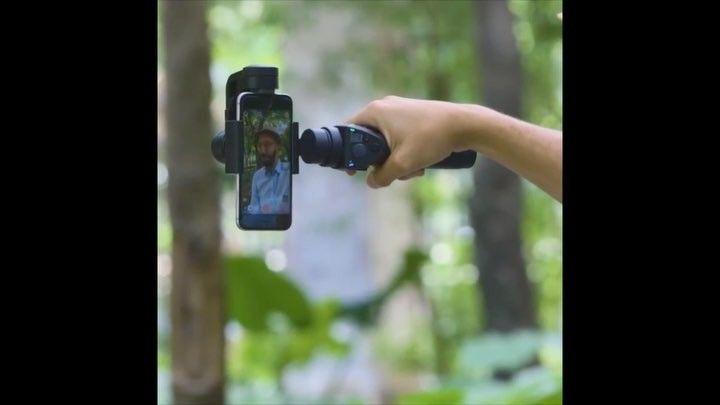 (按圖可以觀看影片 Click Photo to View Video) 靈活自轉自拍棍 這個自拍杆會將你的手機拍攝上升到專業水平快來買一個送給他吧 - 更多禮物相關內容還請 Follow us @PresenTense - 購買請閱 @DJIglobal #Selfie #Video #PTgift #Present #Gift #love #hkig #hkgirl #禮物 影片源至The Verge
