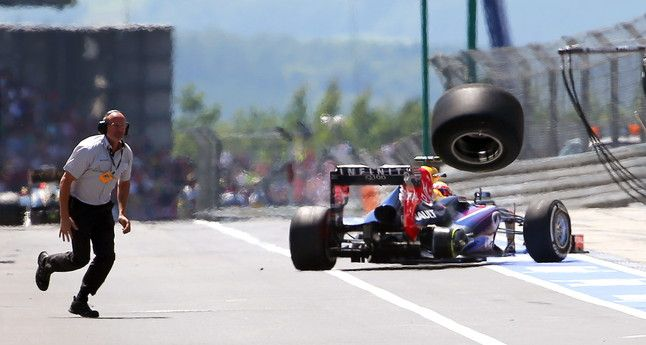 Mark Webber losing a tire German GP 2013