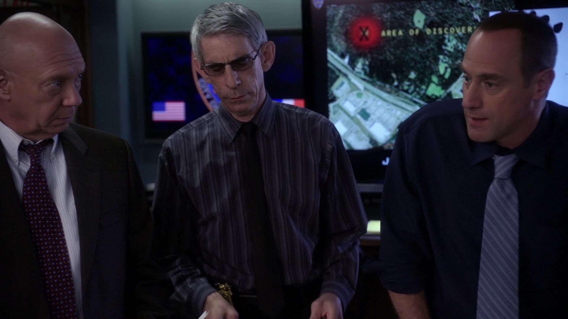 captain cragen sergeant john munch detective elliot stabler rh pinterest com
