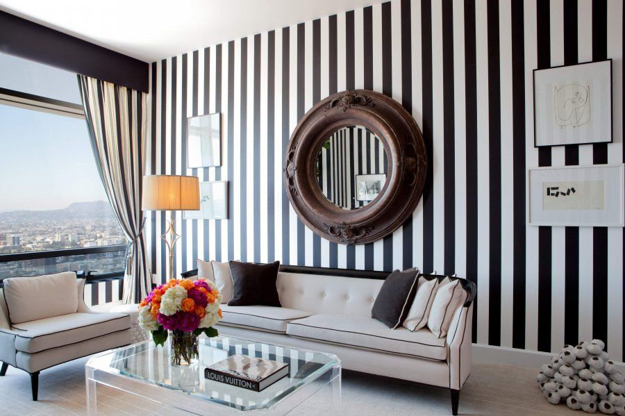 Black And White Wallpaper At The Ritz Carlton In La