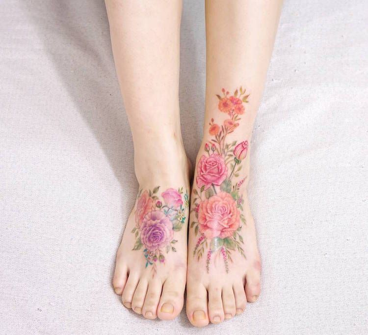 40 Watercolor Tattoos That Beautifully Transform Bodies Into Living Art Foot Tattoos Vintage Flower Tattoo Flower Tattoo Foot