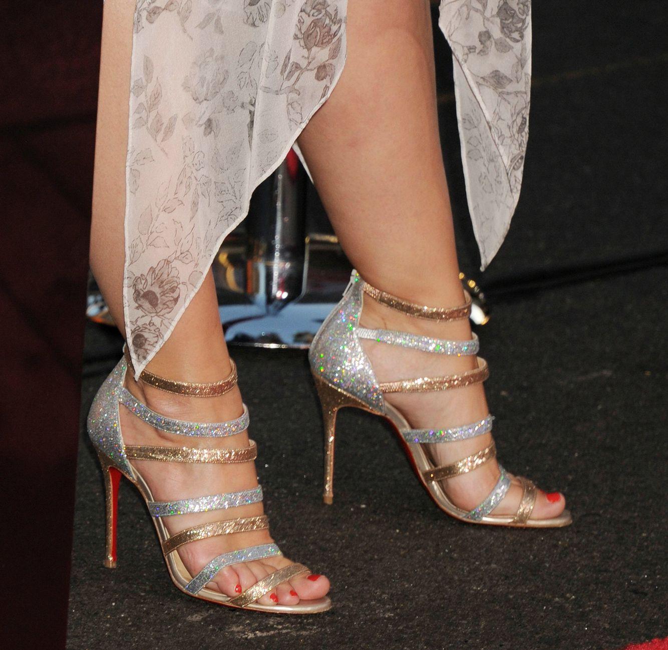 Pin By Larry Sly On Kristen Bell In 2020 Heels Kristen Bell Stiletto Heels