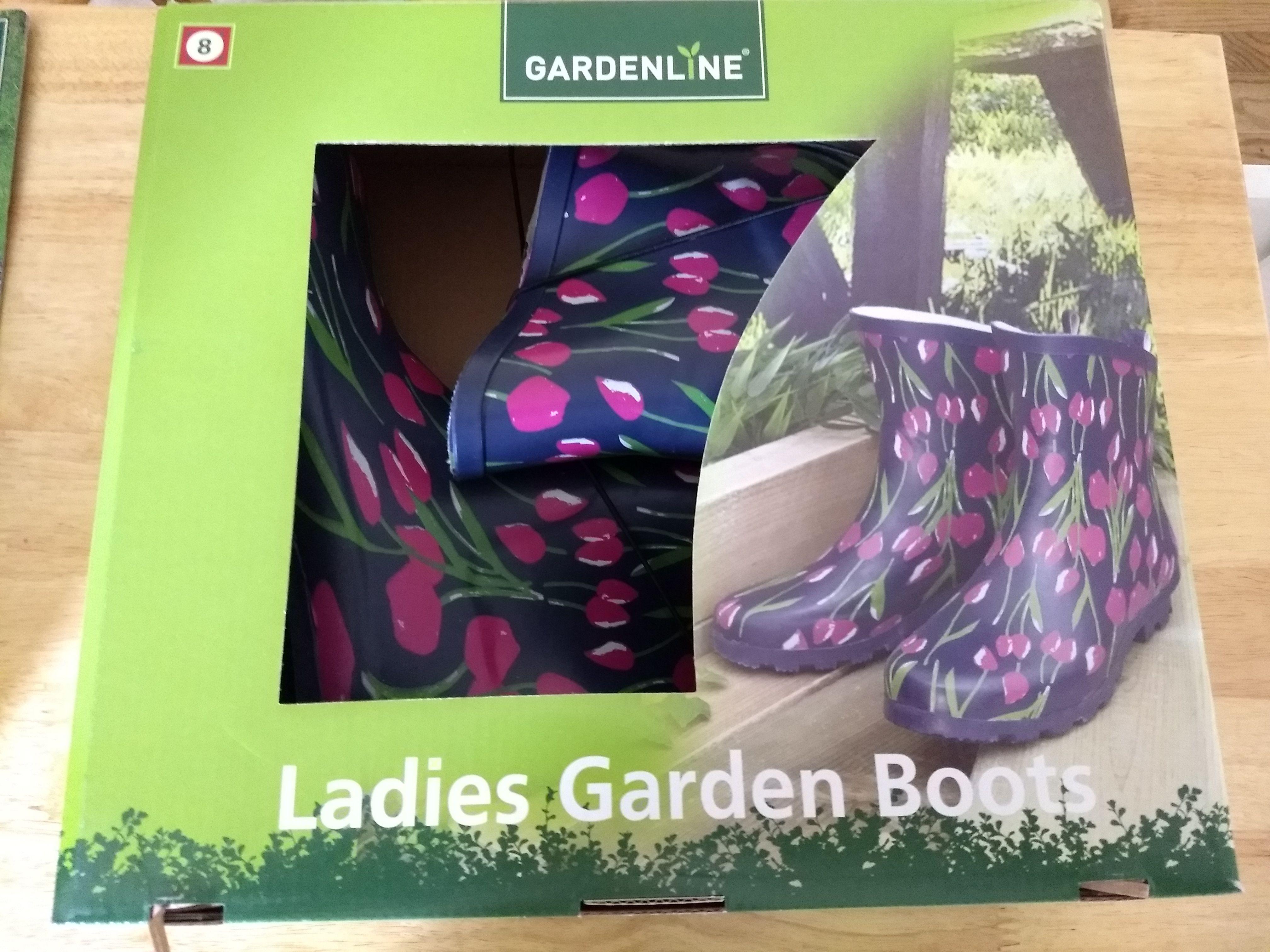 Gardenline Ladies Garden Boots Ladies gardening, Garden
